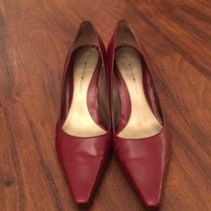 Heels- Bandolino dark red pumps.
